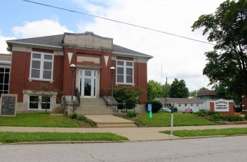 Bloomfield_Public_library